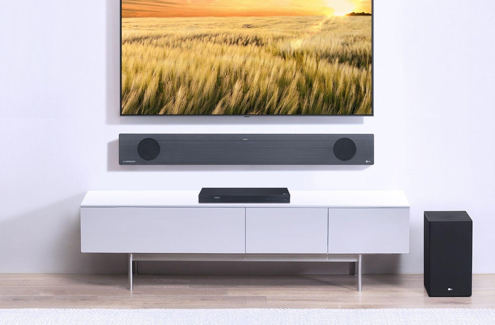 Tv al muro con soundbar